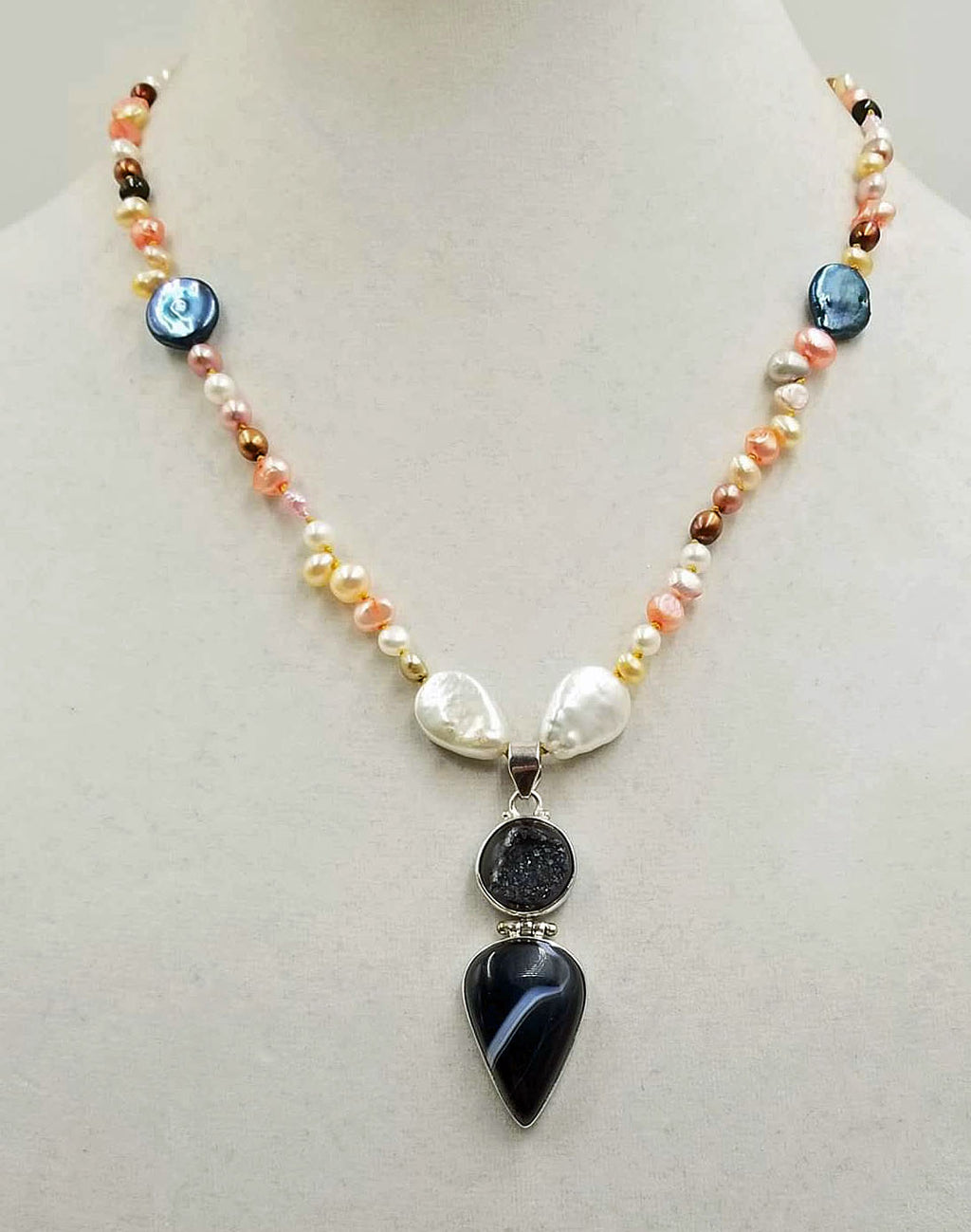 Subtle & Bold. Unique pendant necklace of pearls & agate, hand-knotted with golden silk.