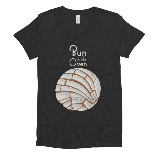 Concha Bun in the Oven Women's Crew Neck T-shirt - Pan Dulce Pregnancy Reveal Shirt