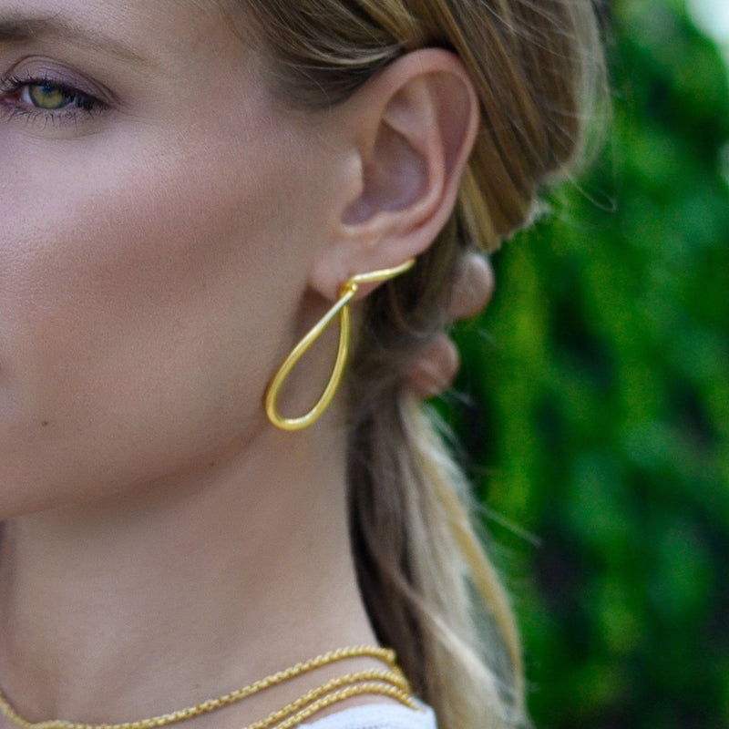 Gold plated sterling silver spiral earrings ioola // Gold