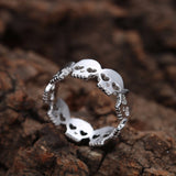 Band of skulls gothic silver ring 3