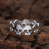 Band of skulls gothic silver ring 2