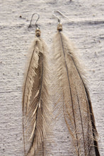 Load image into Gallery viewer, Emu Feather earrings