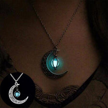 Load image into Gallery viewer, Moon Glowing Necklace - Every Day Itemz