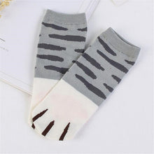 Load image into Gallery viewer, Kitty Claw Ankle Socks