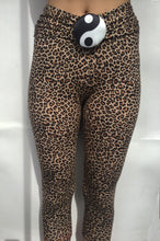 Load image into Gallery viewer, Leopard Yin-Yang Tights