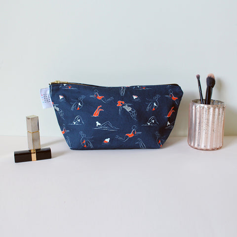 Swimmers Dark Washbag