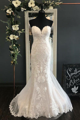 Applique Lace Sweetheart Sleeveless Long Solid Mermaid Wedding Dress with Court Train