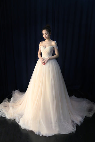 Ball Gown Off-The-Shoulder Tulle Court Train Wedding Dress With Belt