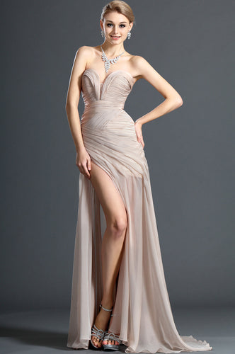 Eye-Pleasing Champagne Sweetheart Ruched Long Dress With Side Slit