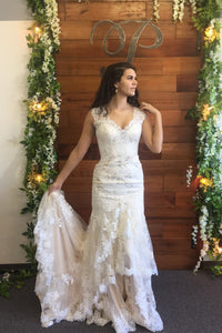 Mermaid V-Neck Lace Illusion Wedding Dress With Court Train