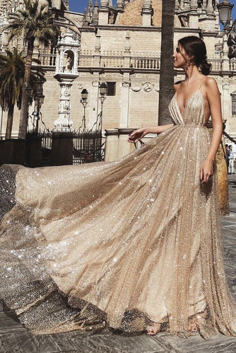 Sexy Glittering Spaghetti Straps Plunging Neck Sleeveless Long Gold Pleated Prom Dress