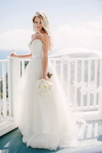 Tulle Spaghetti Strap Sweetheart A-Line Wedding Dress With Lace Applique