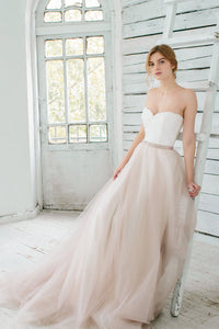 Tulle Sweetheart Strapless A-Line Court Train Wedding Dress With Lace Bodice