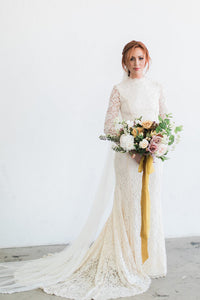 Vintage Lace Long-Sleeved High-Neck Wedding Dress With High Quality