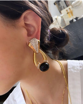VINTAGE GOLD WITH BLACK CABOCHON EARRING