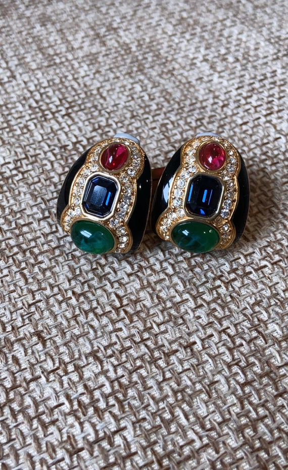 VINTAGE CABOCHON AND RHINESTONE ENCRUSTED EARRING