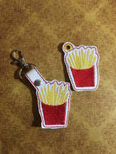 Load image into Gallery viewer, Fries Keyfob