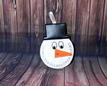 Load image into Gallery viewer, Snowman Countdown Hanger