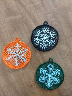 Free Standing Lace Snowflake Ornament Set