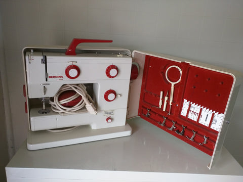 Bernina Nova 900 Sewing Machine Red Pedal Case Extra Feet
