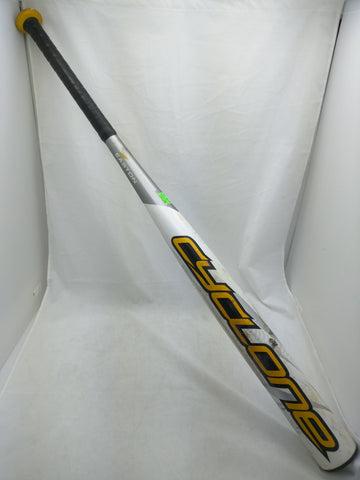 SK38 34in 28oz 2.25dia Cyclone Easton Softball Bat