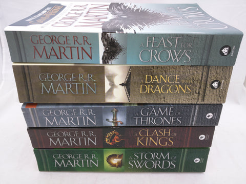 George Martin 5 Book Set. A Game of Thrones / A Clash of Kings / A Storm of Swords / A Feast of Crows / A Dance with Dragons