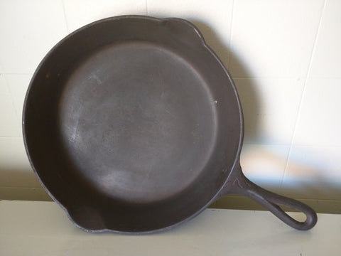 Griswold Erie PA 701 H Cast Iron Skillet 7 Round 9.5""