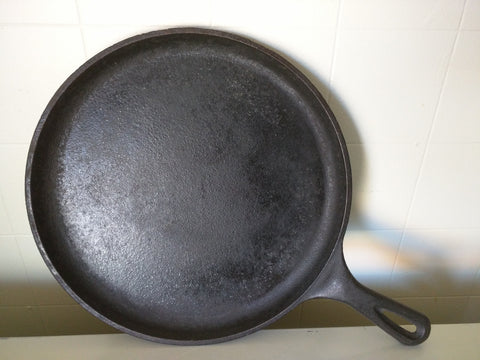 "Lodge USA 90G Cast Iron Flat Skillet Pan 10"" Round"
