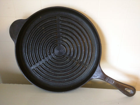 "Benjamin Medwin 12"" Cast Iron Skillet Rings Ribbed"