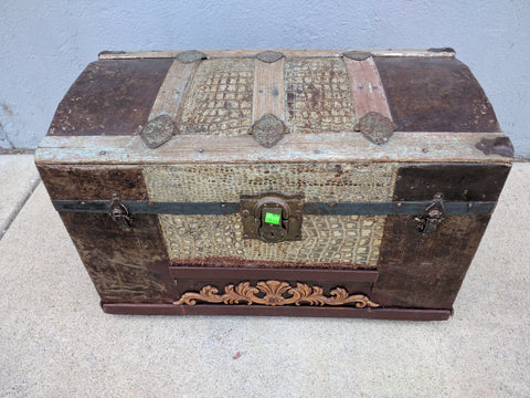 Trunk Vintage Antique Old Medium storage 29 X 15 X 17 Tall Rustic Shabby