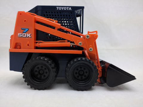 Toyota SDK7 Skid-Steer Loader Lift Diapet Yonezawa 1:22 Scale Diecast construction toy skidsteer sdk 7