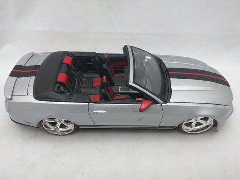 2010 Ford Mustang GT Maisto 1/18 Die Cast Convertible Silver