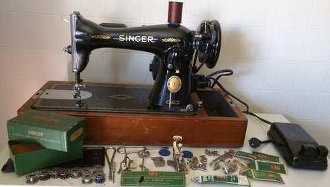 15J Singer Bentwood Wood Dome Case Sewing Machine 160809 Working