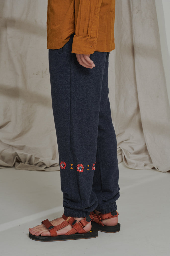 APPAM HAND-EMBROIDERED SWEATPANT - NAVY HEATHER SUMMER FLEECE