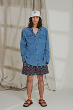 Load image into Gallery viewer, BOOTH DRAWSTRING SHORTS - NAVY / MADDER IKAT