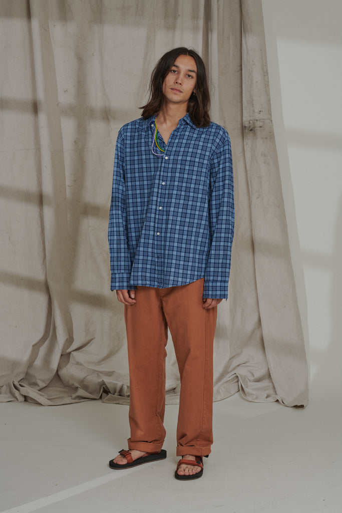 GLOVER BUTTON UP SHIRT - INDIGO