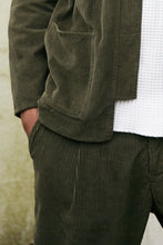 Load image into Gallery viewer, SINGLE PLEAT TROUSER - O.D.  CORDUROY