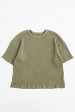 Load image into Gallery viewer, STANDARD ISSUE FOR 18 EAST - DEEP LICHEN GREEN S/S THERMAL CREWNECK