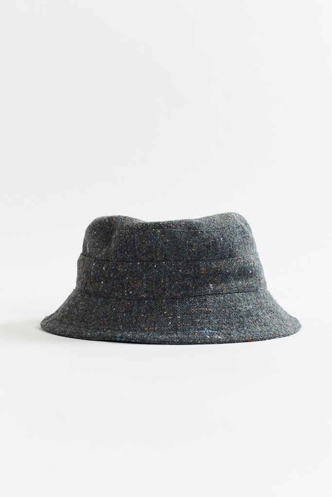 MOLLOY & SONS DONEGAL BUCKET HAT - GRAY PLAINWEAVE TWEED