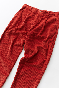 SINGLE PLEAT TROUSER - BRICK RED CABLED CORDUROY
