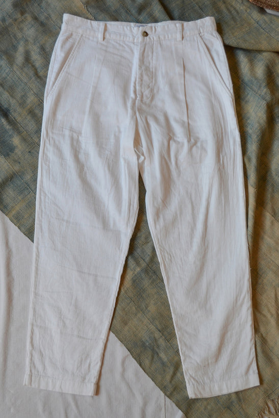 SINGLE PLEAT CHINO - WHITE GAUZE BACK HERRINGBONE