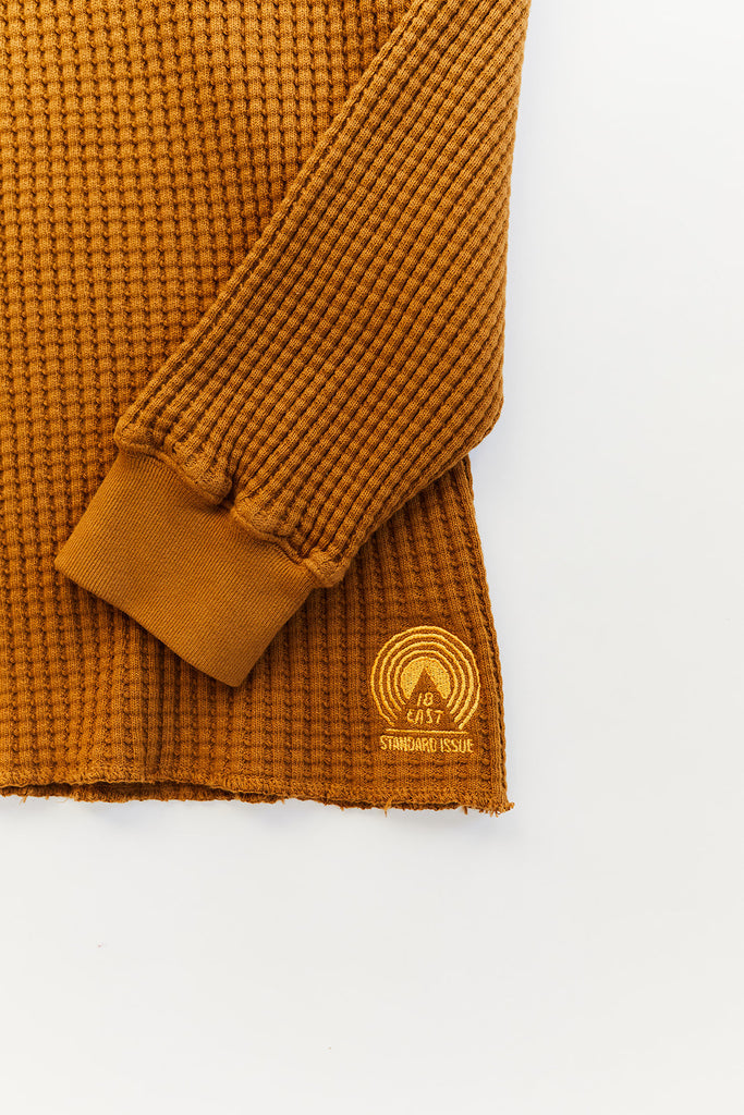 STANDARD ISSUE FOR 18 EAST—DUCK BROWN THERMAL CREWNECK