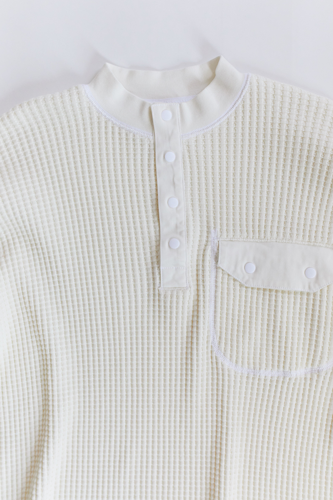 STANDARD ISSUE FOR 18 EAST—WHITE THERMAL MOCK NECK