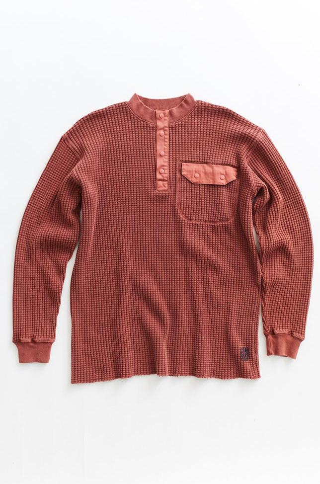 STANDARD ISSUE FOR 18 EAST—BRICK RED THERMAL MOCK NECK