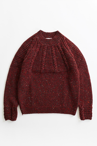 INIS MEAÍN DONEGAL CASHMERE RAGLAN CABLE SWEATER - SCARLET / BLACK