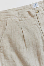Load image into Gallery viewer, SINGLE PLEAT TROUSER - SAND DROPOUT LINEN