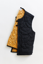 Load image into Gallery viewer, SCP QUILTED GILET—BLACK NYLON