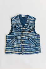 Load image into Gallery viewer, JEREL UTILITY VEST - INDIGO INSIDE-OUT BAGRU PRINTED COTTON