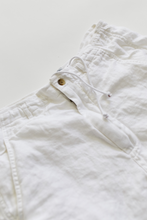 Load image into Gallery viewer, SHELTER CAMP SHORT - WHITE LINEN TWILL