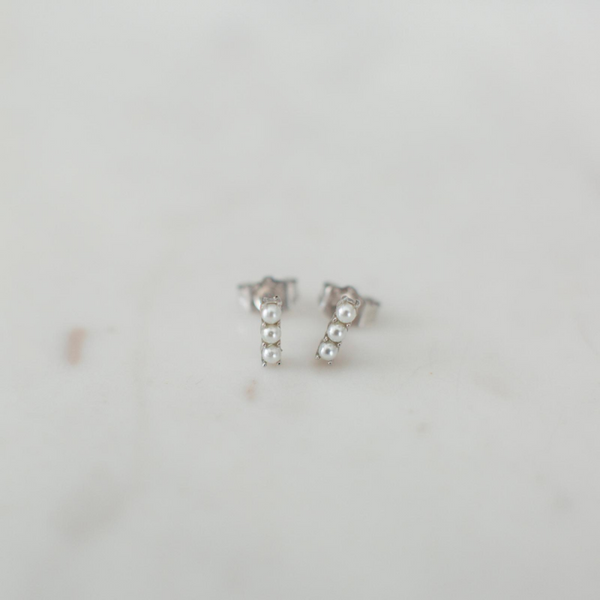 PEARL BAR STUD EARRINGS